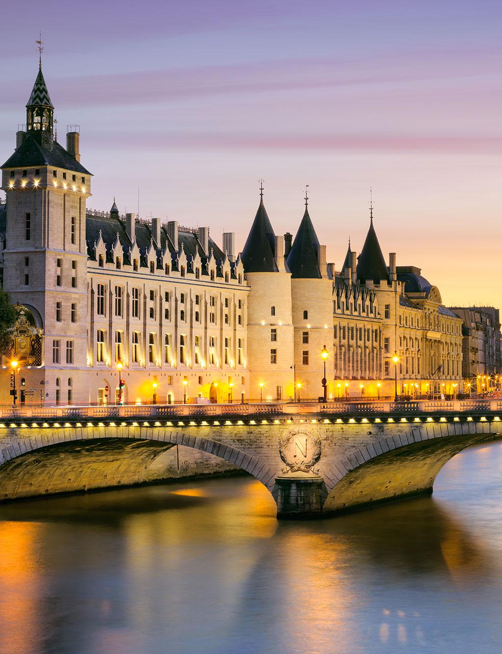 ACTIVITÉS TOURISTIQUES EN FRANCE